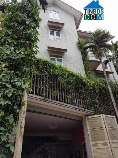 Cho thuê nhà MP Trung Hòa,DT 90m x 4 tầng, MT 5,5m, giá 42tr có VAT