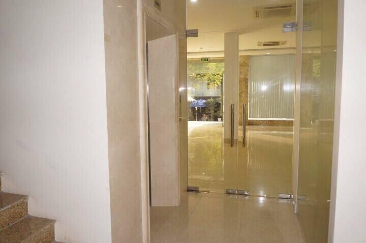 Cho nhà Phố Trần Quý Kiên 50m x 4 tầng, giá 2400 USD