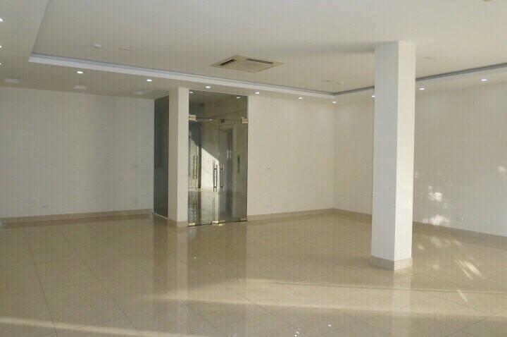 Cho thuê nhà lô góc 3 mặt thoáng tầng 3 – 4 – 5,  DT 130m Mặt phố nguyễn tuân – lê văn lương