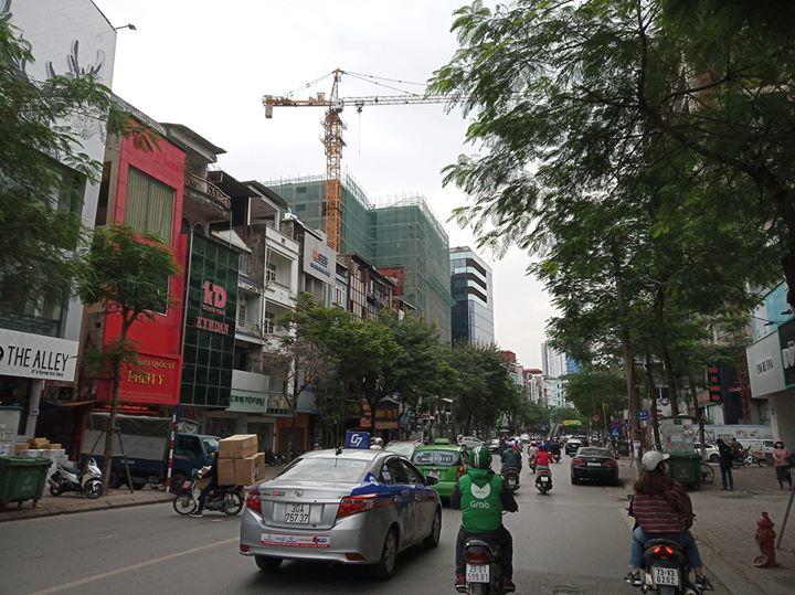 Bán gấp nhà mặt phố 40m2x5T đường rộng 18m giá hơn 5 tỷ Khương Hạ