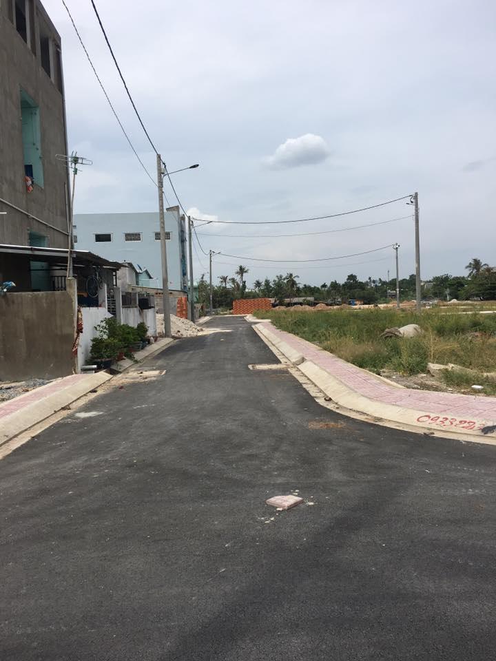 Bán đất đường Tô Ngọc Vân có SH, DT 82 m2, giá 32 triệu/m2