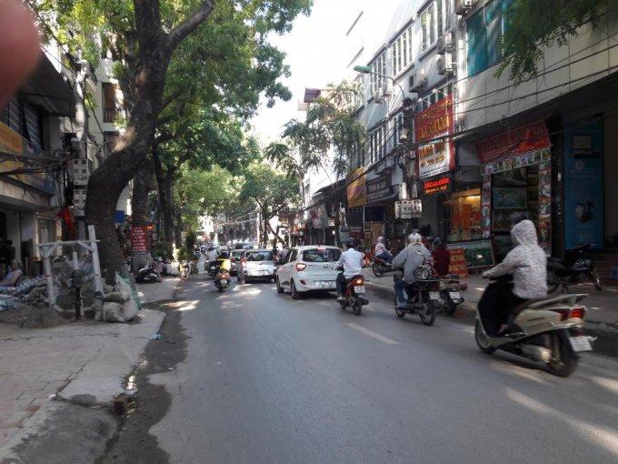 Bán đất mặt phố Hoàng Hoa Thám, liên hệ chính chủ, 165tr/m2