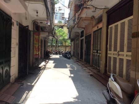 Bán nhà trong ngõ 40 Tạ Quang Bửu, 83m2, an ninh tốt