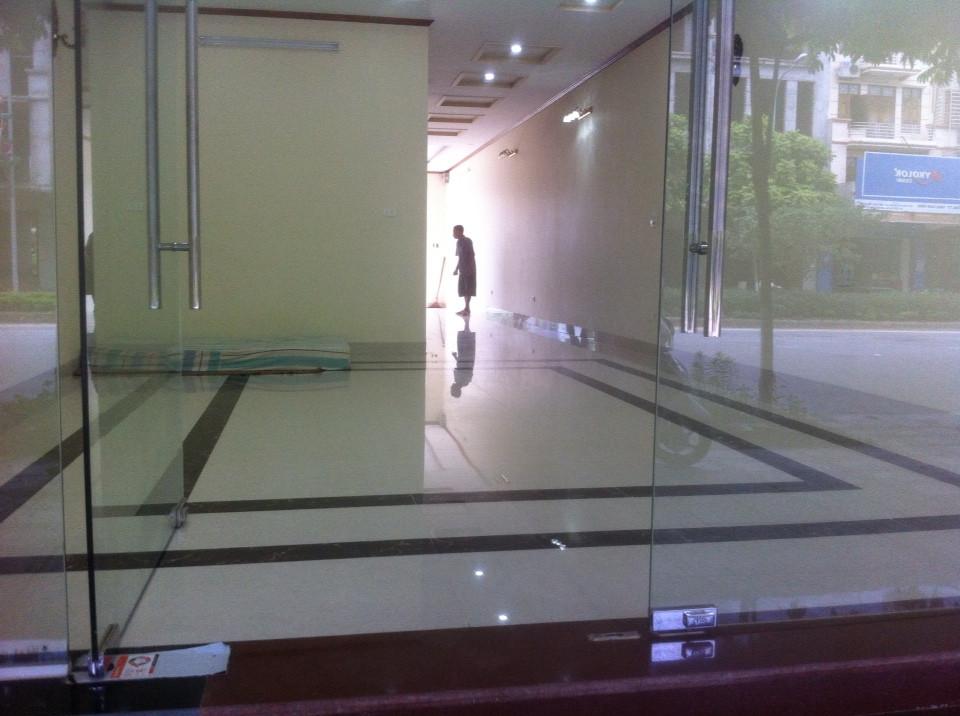 Cho thuê nhà 75m2 ngõ đường Nguyễn Tất Thành - Khai Quang. Giá 10tr/tháng LH: 0986797222
