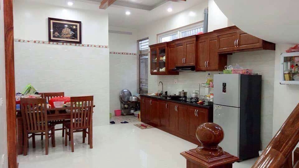 Cho thuê nhà đường Mê Linh – Liên Bảo – Vĩnh Yên. Giá 10tr/tháng. LH: 0986797222
