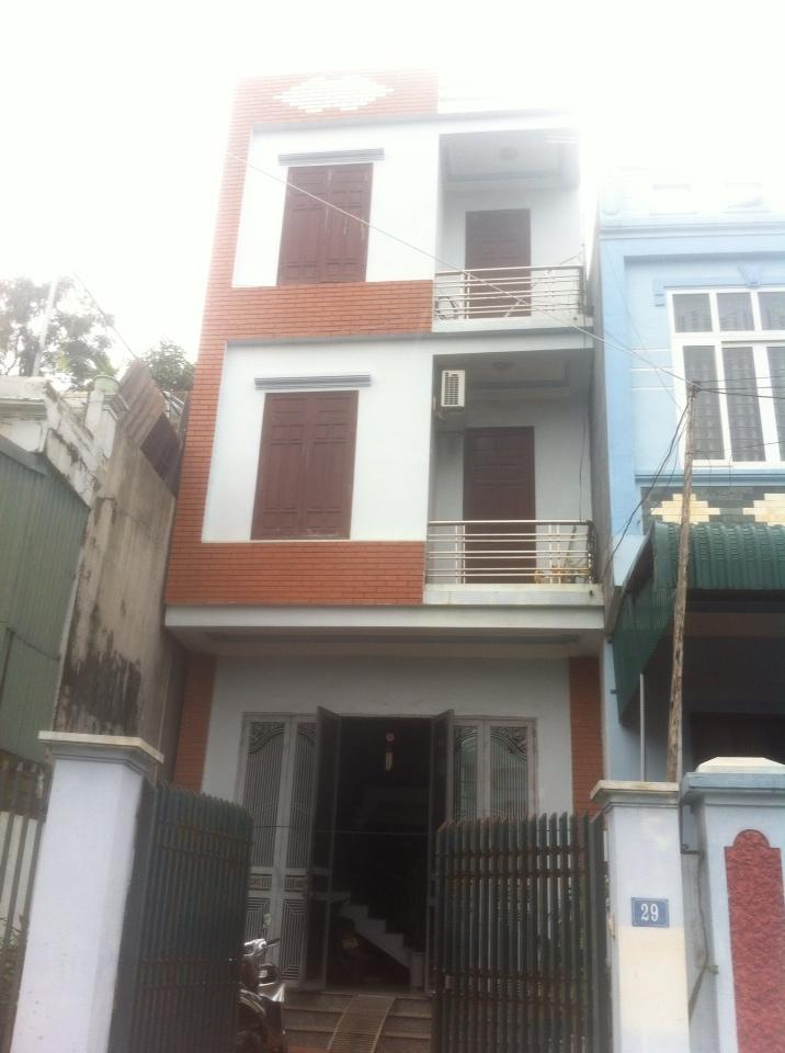 Cho thuê nhà 90m2 ngõ đường Tôn Đức Thắng- Khai Quang –Vĩnh yên . Giá 10tr/tháng LH: 0986797222