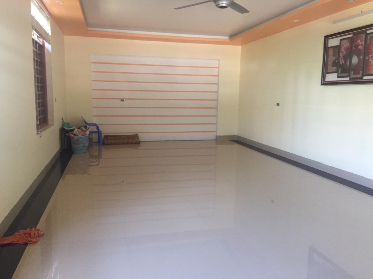 Cho thuê nhà riêng đường Mê Linh – Liên Bảo – Vĩnh Yên. Giá 11tr/tháng. LH: 0986797222