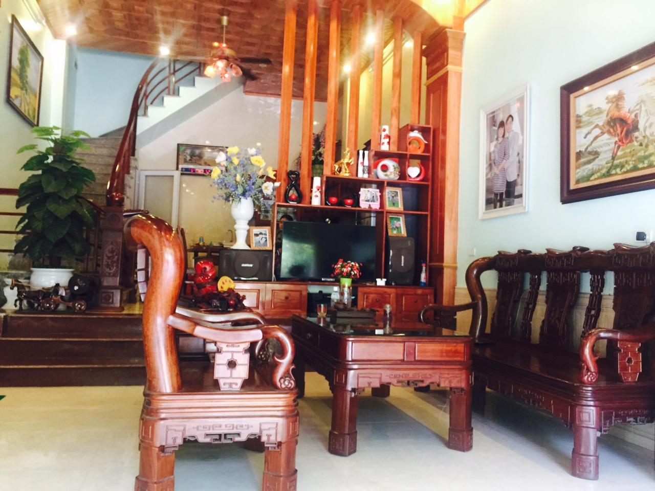Cho thuê nhà 70m2 đường Nguyễn Viết Xuân, Đống Đa, TP. Vĩnh Yên, giá 9/tháng, LH: 0986797222