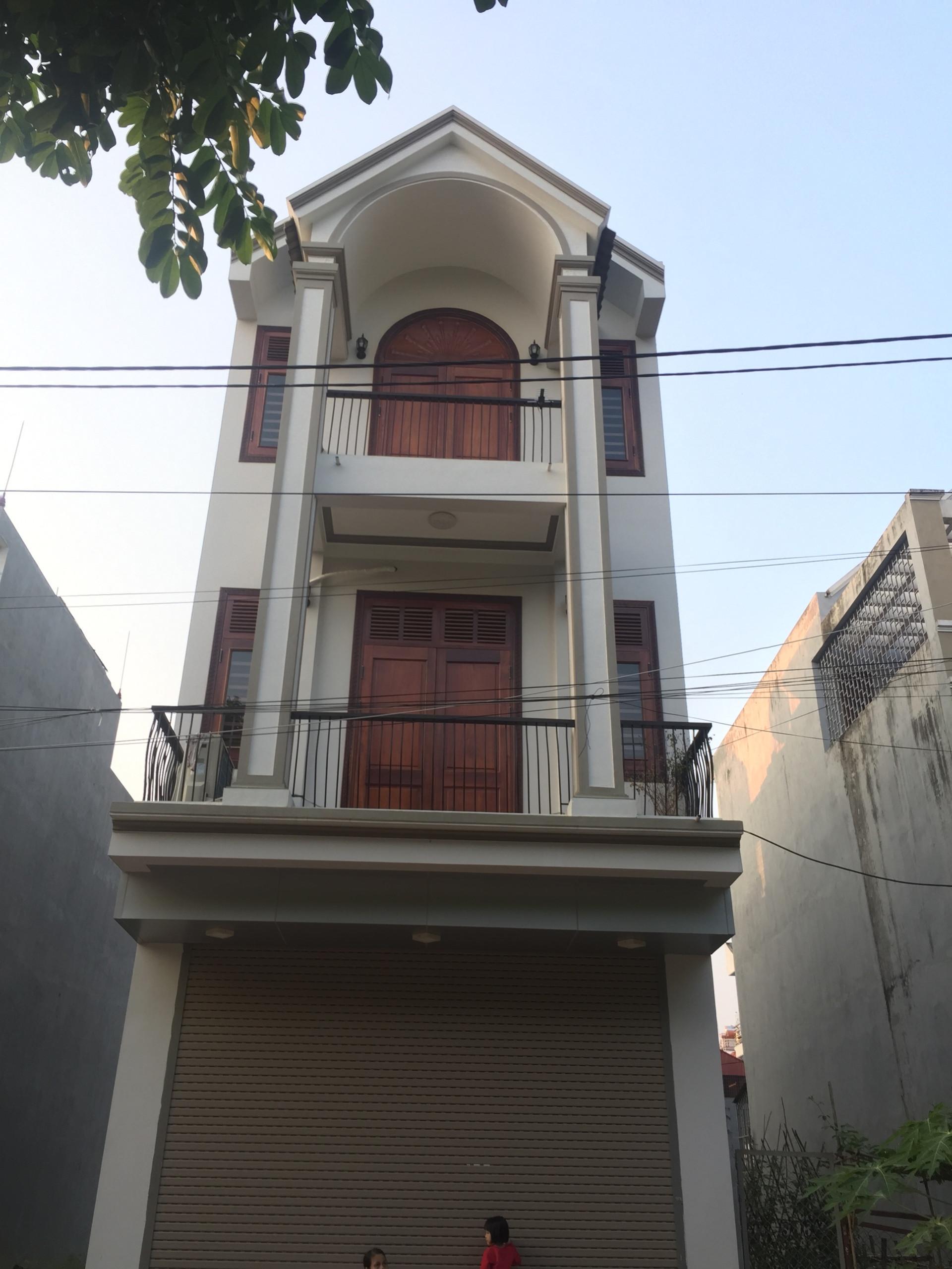 Cho thuê nhà đẹp khu vực gần COPPMARK Vĩnh Yên , Vĩnh Phúc Gía 10TR LH 0986797222